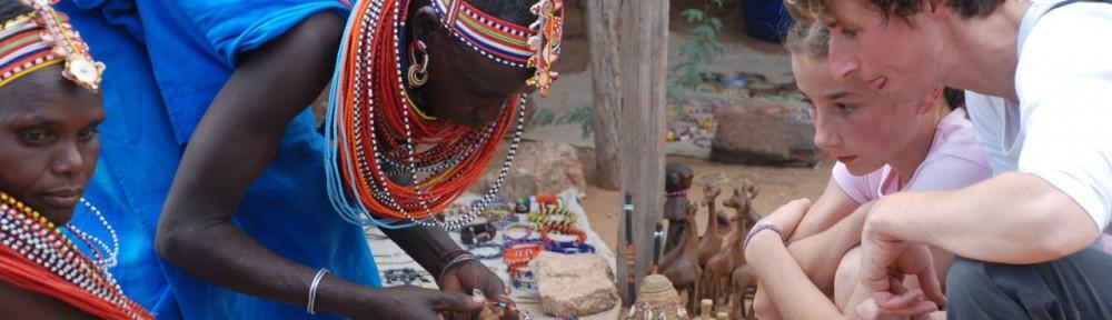 cropped-Maasai-souvenir-selling.jpg